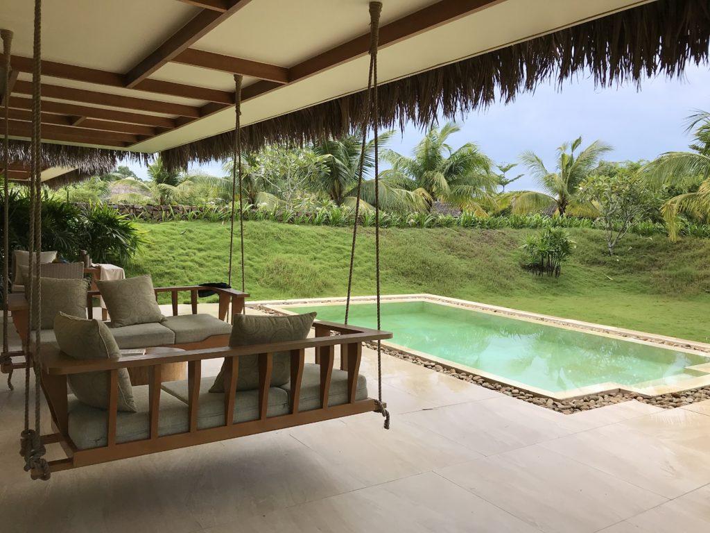 房間有自己的花園和私人泳池。(圖/維克提供)